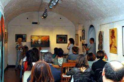 """Conferenza a Roma (Gran Galà delle Arti Contemporanee – Presentazione del quadro """"Le Streghe"""".di Aurora Mazzoldi foto Roberto Zeni"""
